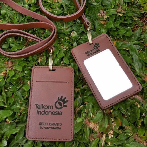 Gantungan ID Card Kulit 014