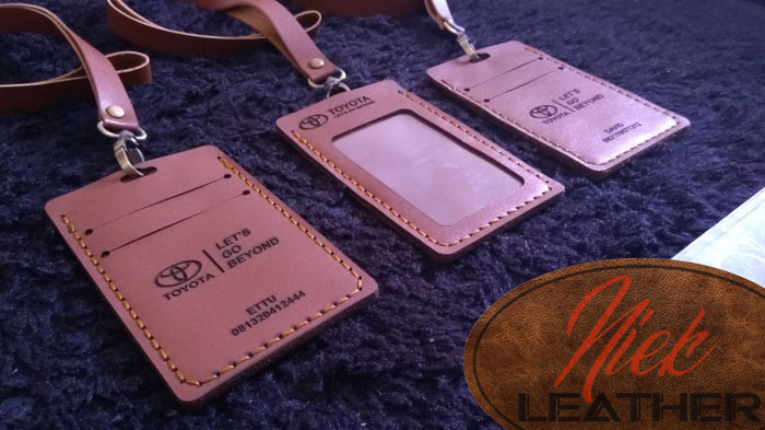 Gantungan ID Card Kulit 013