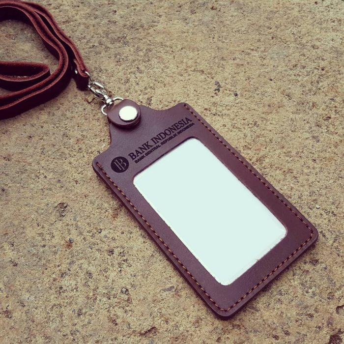 Gantungan ID Card Kulit 009