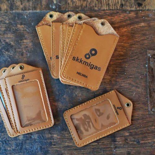 Gantungan ID Card Kulit 006