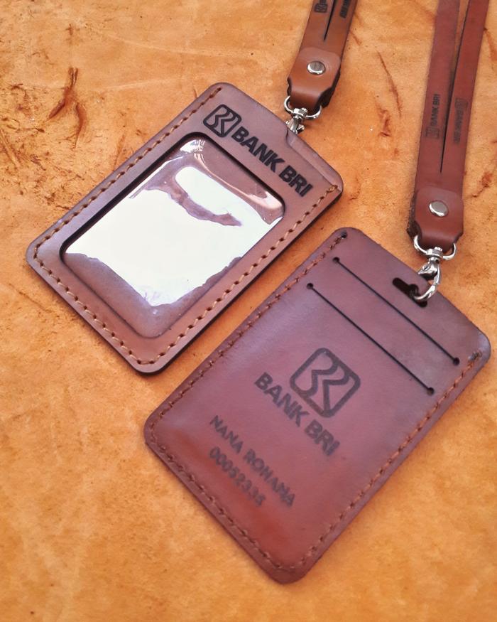 Gantungan ID Card Kulit 004
